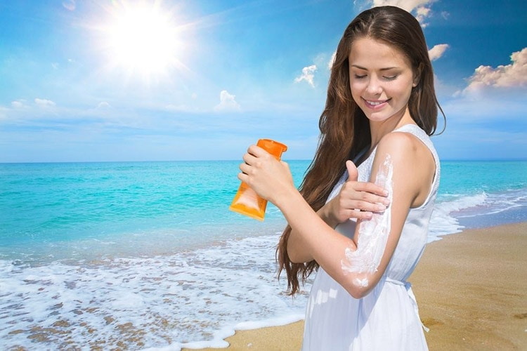 How to Keep Your Skin Beautiful in Winter with Apply sunscreen