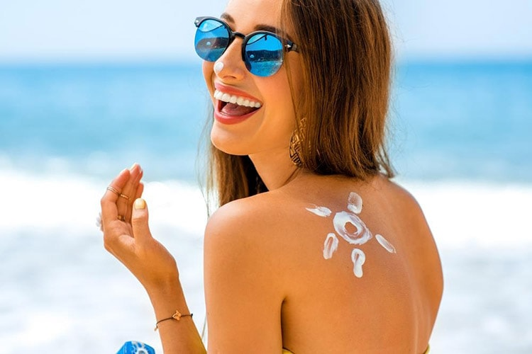 How to Keep Your Skin Beautiful in Winter use Sunscreen