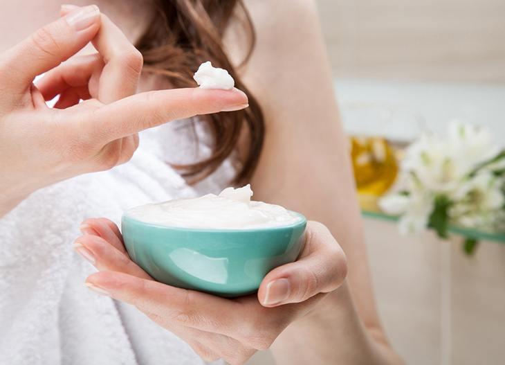 moisturizer your skin with murad