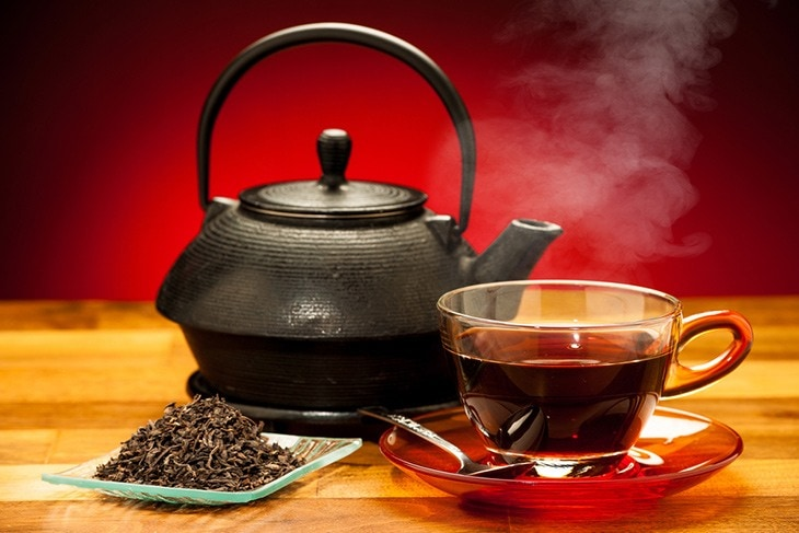 use  green and black teas for sunburns