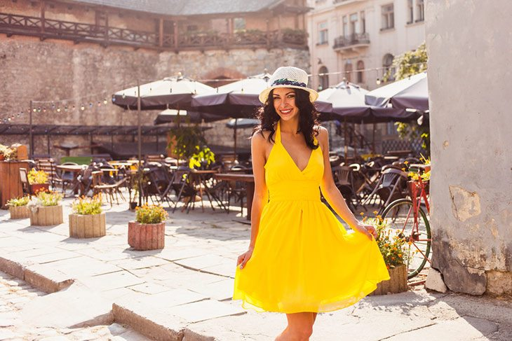 what color nail polish with yellow dress